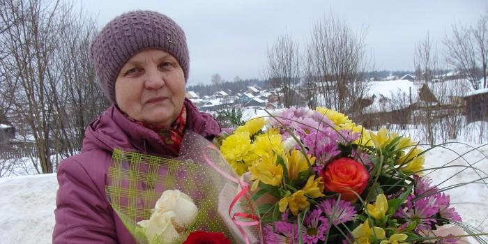 По словам Александры Шишебаровой, она считает себя счастливым человеком. У нее замечательная семья. Вместе с мужем воспитали дочерей Ольгу и Марину, она бабушка внуков Никиты и Егора. Есть любимая работа. И сегодня у лидера ветеранского движения много идей, которые она планирует реализовать в ближайшее время. Пожелаем удачи!