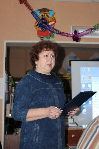 «Бабушкинский район в песенном творчестве земляков» - тема выступления самодеятельной поэтессы Татьяны Пятовской.