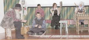 Коллектив обучающихся Бабушкинской школы показал зрителям спектакль «В канун святок» (по произведению В. Белова «Кануны»).