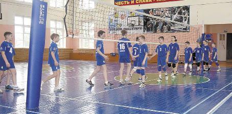 Команда Бабушкинской школы приветствует вологодских волейболистов