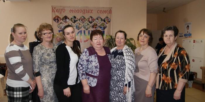 Председатель Общественного совета Бабушкинского района Инна Гущина (в центре) возглавила районную делегацию.