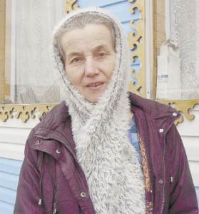 Валентина Сидорова занимается не только пчеловодством, но и животноводством, и огородчничеством. Пожелаю ей удачи!