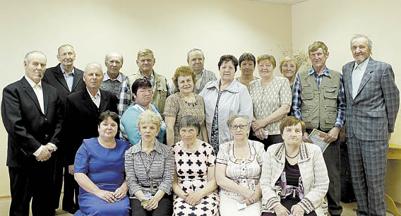 Участники встречи: фото на память.