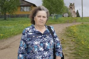 Почтальон Нина Егоровна Анисимова приносит в дом земляков нашу газету «Знамя» и доброе настроение.