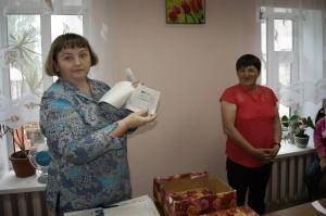 Татьяна Бахарева и Елена Поповская (справа): еще один победитель розыгрыша призов определён.