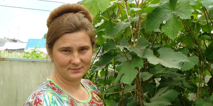 Выращиванию винограда - этой сладкой и полезной ягоды - Светлана Филиппова посвятила больше 10 лет своей жизни. Она увлекается также цветоводством. В ее саду вовсю цветут розы.
