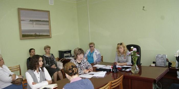 Участники заседания обсуждают план подготовки к эпидемическому сезону.
