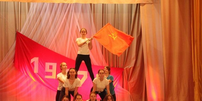 Выступают артисты Бабушкинской школы.