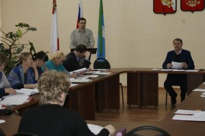 Выступает Сергей Власов, заведующий юридическим отделом администрации района.