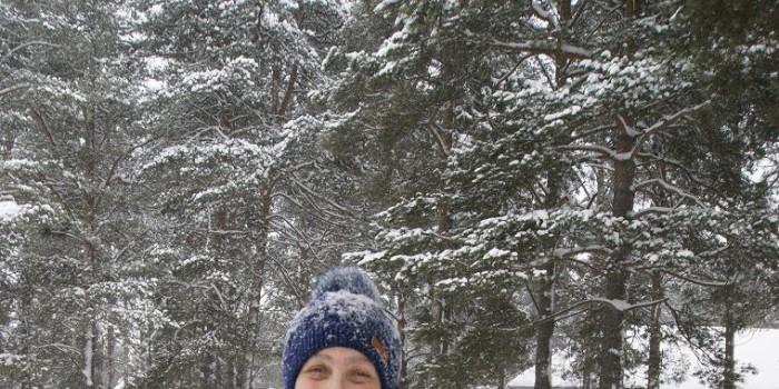 Алевтина Хоробрая радуется чистой дороге и зимнему дню.