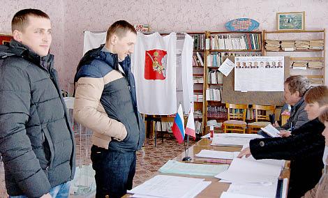 На 51-м избирательном участке (д. Жубрино) спокойная обстановка.