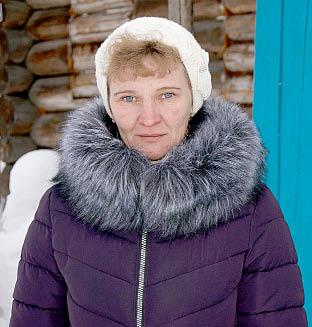 Хозяйка подворья Тамара Южакова.