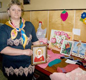 Ольга Поздеева, жительница с. Миньково, увлекается вышивкой.