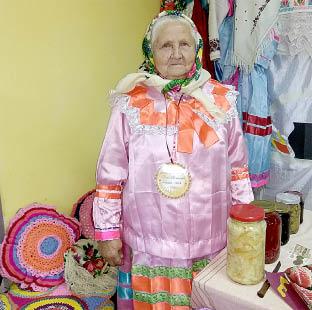«Лучшая мастерица» Мария Медведева любит вязать, петь и танцевать.