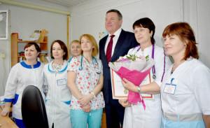 Нина Радина и её коллеги во время встречи с губернатором Вологодской области Олегом Кувшинниковым.
