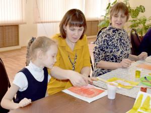 На мастер-классе Марии Манойловой можно было познакомиться с различными техниками рисования, в том числе с краплением. Было очень интересно!