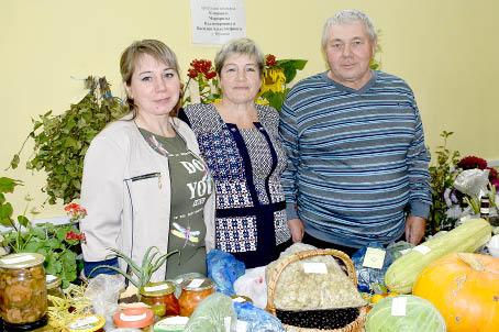 Маргарита и Василий Климовы с дочерью Надеждой.