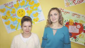 Многодетные мамы Мария Соболь (слева) и Нина Шестакова отмечены приветственными письмами главы района.