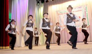 «Калинка» порадовала участников форума танцами «Морской» и «Шарм» (на фото).