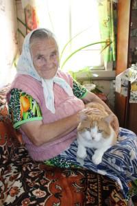 Валентина Коробицына с любимым Барсиком.