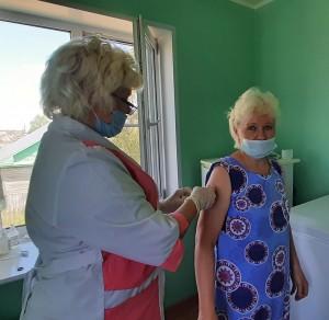 Ольга Истоминская - за прививку.