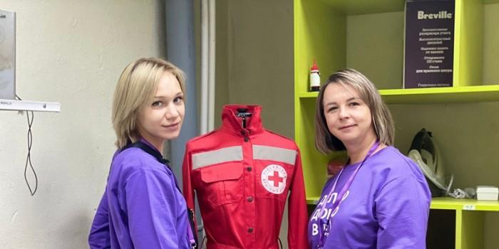 Алена Перцева (слева).